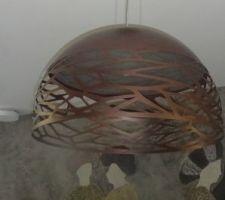 suspension kelly bronze coin salon