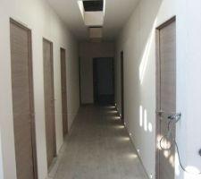 parquet couloir nuit