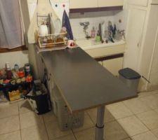 Le bordel de la vie dans une maison en travaux :D On doit dire qu'on a très peu de rangements... :( Ca changera plus tard :)