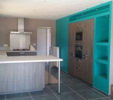 Peinture cuisine cendrée de chez architech a leroy merlin et bleu atoll n2 de luxens