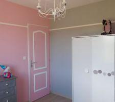 chambre rose et grise