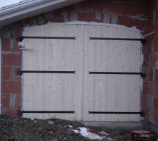 Porte de garage, de l'extérieur