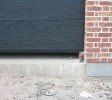 Seuil de porte de garage - Seuil de porte de garage en beton ...