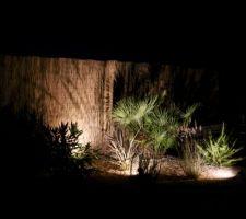 espace mediterraneen eclaire de nuit