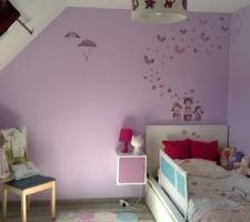 Chambre de la Puce version grande petite fille. Ici avec son lit de grande!