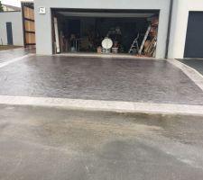 entree de garage en beton imprime