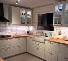 Photos et id es cuisine meubles en bois clair 517 photos - Faience cuisine ikea ...