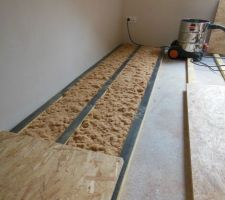 mise en place plancher bois sur dalle beton a l etage