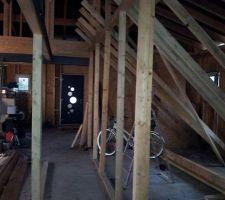 Preparation des solives et vue inter des cloisons ossature bois