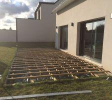double structure bois posee sur plots plastiques reglables