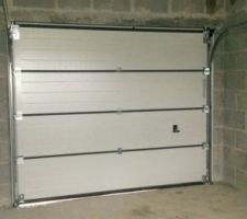 porte sectionnelle du garage