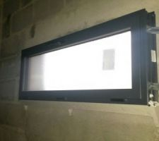 Fenêtre oscillo-battante du garage