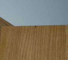 Éclat du placage d'une porte Etna de la marque Menuiserie d'Olt à la livraison