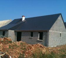 maison a esvres avec pierre et terre