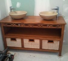meuble en bois exotique