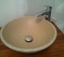 vasque en pierre avec mitigeur hansgrohe