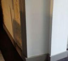 Détail de découpe de plinthes transition salle à manger...