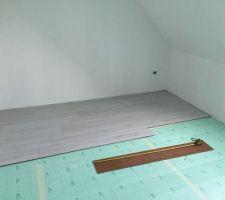 parquet chambre du fiston en cours couche d isolant par dessous