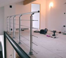 Pose balustrade mezzanine