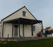 Pergola faite maison en bois