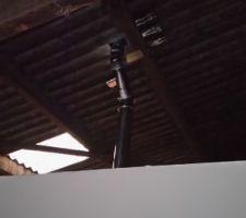 Conduit cheminée sous toit