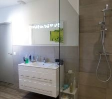 salle de bains de la suite parentale