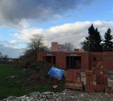 livraison des briques pour l etage
