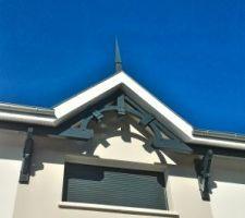 La pointe de faitage typique des maisons arcachonnaises
