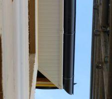 Planche d'égout et frisette PVC - Gouttière zinc anthracite
