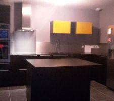 Notre cuisine est terminée  (enfin presque il nous manque un bout de crédence?)