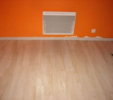 Parquet et plinthes chambre orange