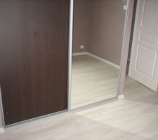 Placard chambre taupe