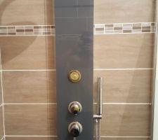 CColonne de douche posée