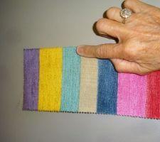 tissu a rayures commande pour capitonner la tete de lit et recouvrir le tour du sommier