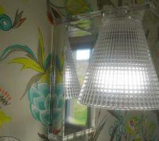 Maintenant, les appliques en lumière du jour ( notre chambre )