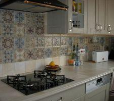 detail de la faience de la cuisine et plan de travail