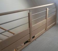 pose de l escalier et rampe et rembarde fait cette semaine reste quelques finitions