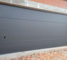 Porte de garage novoferm iso45 5m x 2,12m en Acier noir sablée 2100s