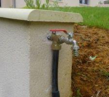 Installation des premières bornes de points d'eau
