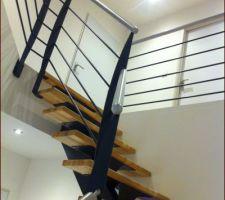 Escalier main courante en métal peinture alu