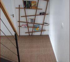 escalier et couloir rdj un peu vide