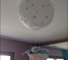 Une montgolfière faite maison avec le doudou