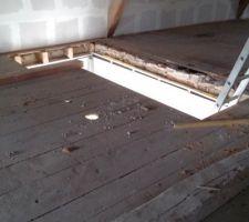 percage de la tremie du nouvel escalier une poutre a ete rajoutee dans l angle pour soulager