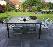 Table en verre noir et alu