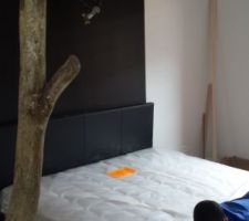 Chambre des parents en cours.. lit 160x200 avec coffre