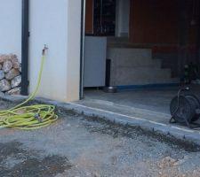mise en place des paves sortie garage