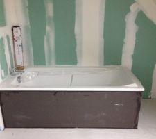 Baignoire avec tablier étage