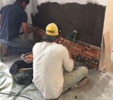 Les débuts de pose du parement en briquette Orsol 5 tons