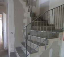Garde corps bas de l'escalier
