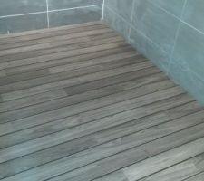 Parquet quick step lagune pont de bateau gris   attention a bien positionner le joint
